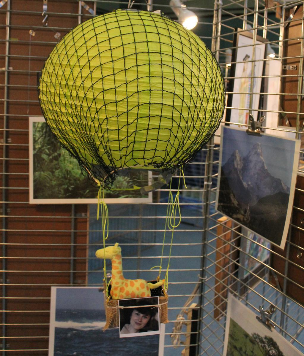 Ballon suspendu avec une giraffe